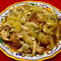 Balsamic Chicken With Pears and Mushrooms